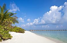 Les plus longues plages de sable blanc de l\'archipel au Sun Island Resort